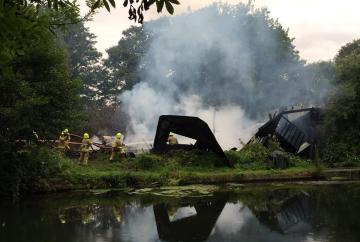 Firefighters called to blaze on Ray Mill Island